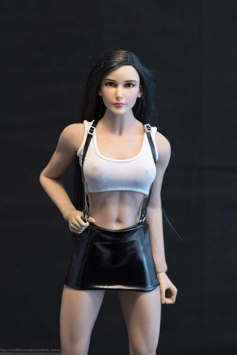 JX Toys TiFa Female Fighter Photo Review   The skirt is