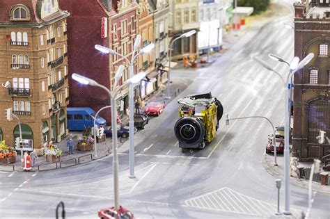 You Can Now Explore the World's Largest Train Set Using